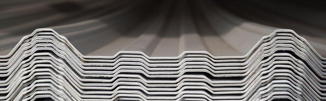 Láminas termoacústicas, fabricadas con PVC.