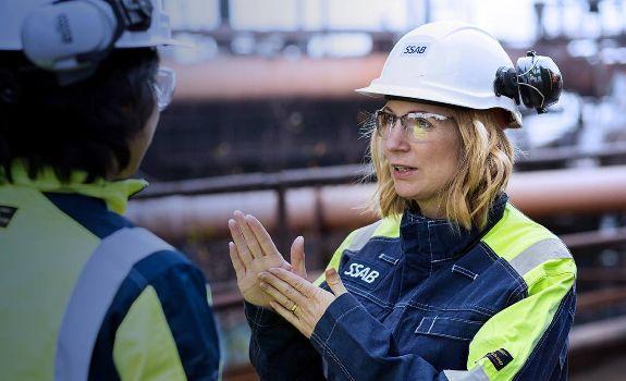 mujer del equipo de la compañia SSAB que creo el acero verde